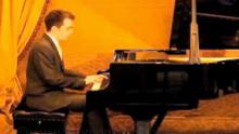solo pianist f